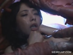 Asian slave sucking monstre&#039_s tentacles
