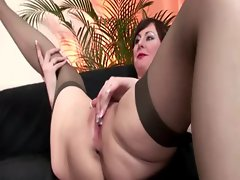 Mature slut loves sucking and fucking