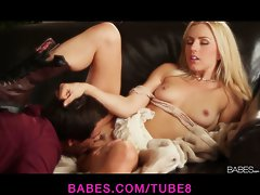 Natural blonde bombshell Lexi Belle rides her man to orgasm