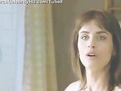 Amanda Peet nude sexiest scenes