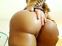 Bubble Butt Shemale on cam