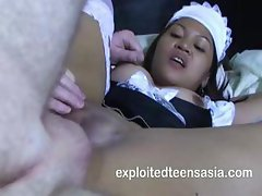 Amateur Filipino maid Hilary is getting her hairless pussy nailed