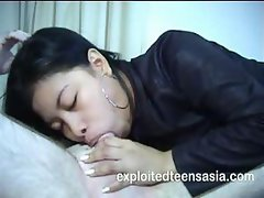 Amateur Filipino teen Veronica is giving nice head until they fuck