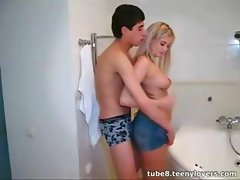Intractable babe with a cat's meow gash gets some in the tub
