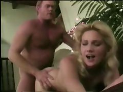 Mushy blonde gurl with a fair pooki does the slap and tickle
