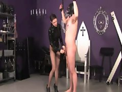 Domina is whippig her worthless subject