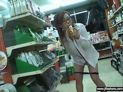 Sexy Teen Japanese Flashing Body In Public movie-31