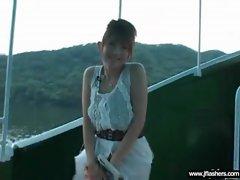 Sexy Teen Japanese Flashing Body In Public movie-23
