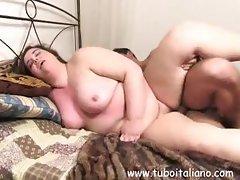 Brute's bent dick penetrates Ilenia's soft vaginal folds