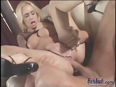 Kelly pumps for some cum