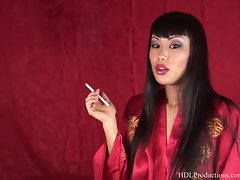 Avena Lee - Smoking Fetish at Dragginladies