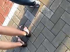 Public Feet 79