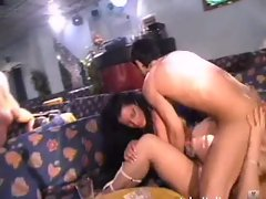 Italian Threesome 2 girls Terzetto 2 porcelle