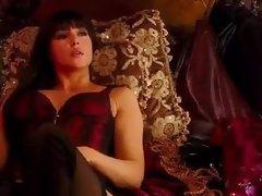 Monica Bellucci Hot Video in Shoot Em Up - Part 01