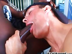 Black tranny gets her cock sucked