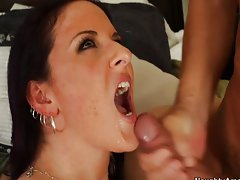 Brunette hottie gets her round ass pumped