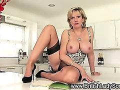 Slutty mature british babe shows off