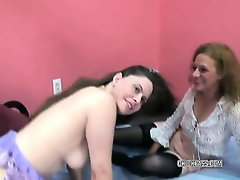 Mature Natasha in a threesome with petite Anna