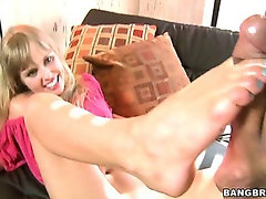 Working Them Toes w/Autumn Briggs