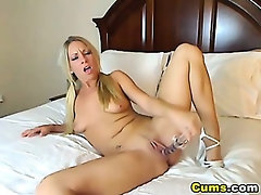 Hot Blond Getting Wet with her Toys HD