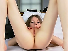 Ulta anorectic girl 18yo spreads vagina