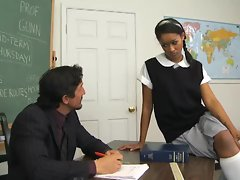 SKin Diamond gets extra credit for spreading her dirty pussy for teacher