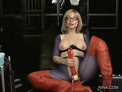Randy Nina Hartley enjoys teasing her moist clit