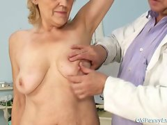 Mature old Brigita getting pussy exam from experienced