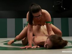 Horny babe toy fucks this chicks throbbing clit slit
