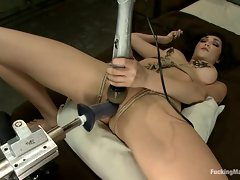 Sexy Holly Michaels gets pussy fucked by a machine