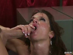 Awesome Veronica Avluv gets sprayed in nob juice
