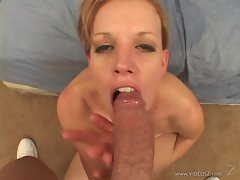 Insatiable Freddie Elle gets her mouth filled with jizz