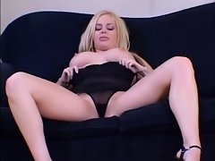 British Interrasial lesbians (Play the Slut)