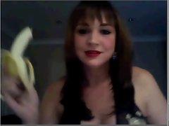 How to eat banana