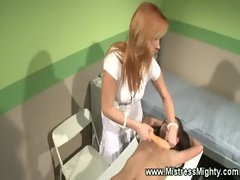 Woman slave ravaged by lezdom queen