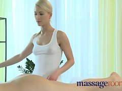 Massage Rooms 19 years old stud blows early but still gives light-haired