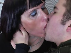 Older nympho slutty mom gets screwed by her toyboy