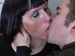 Older nympho slutty mom gets screwed by her toyboy