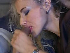 Italian Attractive mature Blowbang