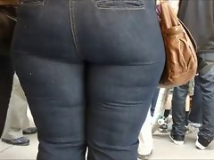 Mommy Experienced in narrow jeans big bum ass mama phat naughty bum 4