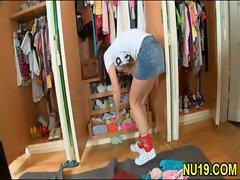 Naughty fellow removes teen girl&#039_s