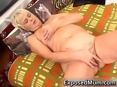 Nasty mom feeling sexy playing part2