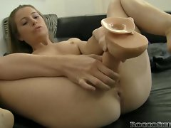 Rocco Siffredi films this slut stretching her gash