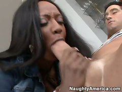 Top chef?  Diamond Jackson makes an oreo cookie out of her lips and a white dick