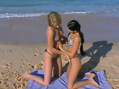 Christina Bella get horny with friend by the seashore