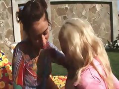 Two russian girl4girl eating holes