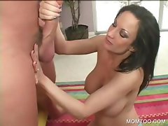 Voloptuous cougar working big shaft