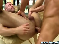 Gay bear masseuse ass fucked by turned straighty