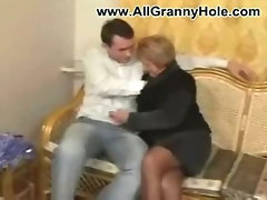 German mature mom fucked by younger guy