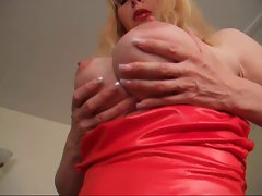 MILF Lucy UK stocking heel tease